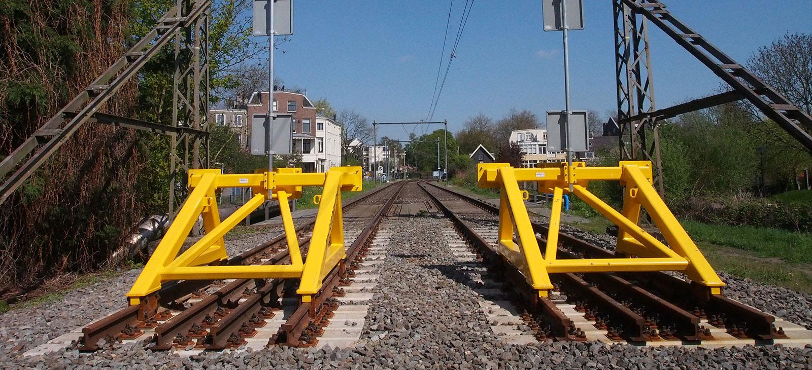 De afgesloten Oosterspoorbaan in Utrecht. Foto: Arjan den Boer