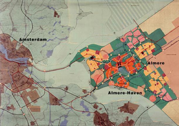 Ontwerpstructuurplan Almere uit 1977 door Teun Koolhaas