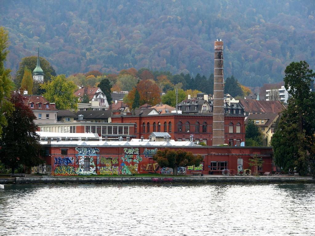 De herbestemde Rote Fabrik in Zürich (2008)