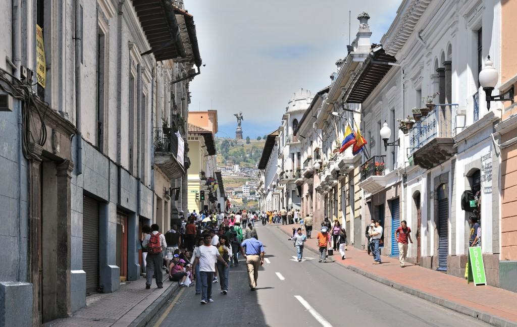 Quito, Calle Venezuela (Wikimedia Commons, 2010)